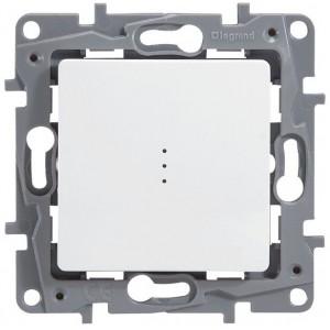 Выключатель одноклавишный с подсветкой белый Legrand серии Etika