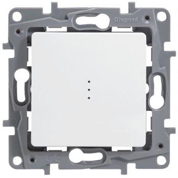 Переключатель на два направления (проходной выключатель) с подсветкой одноклавишный белый Legrand серии Etika